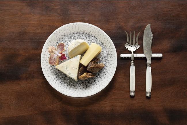 丸皿「ブーケ」18cm ¥60,500