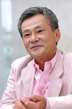 ヨシナガ博士役:池田 秀一