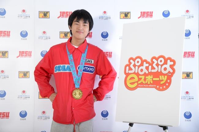 ▲一般の部優勝:大阪府代表 マッキー選手