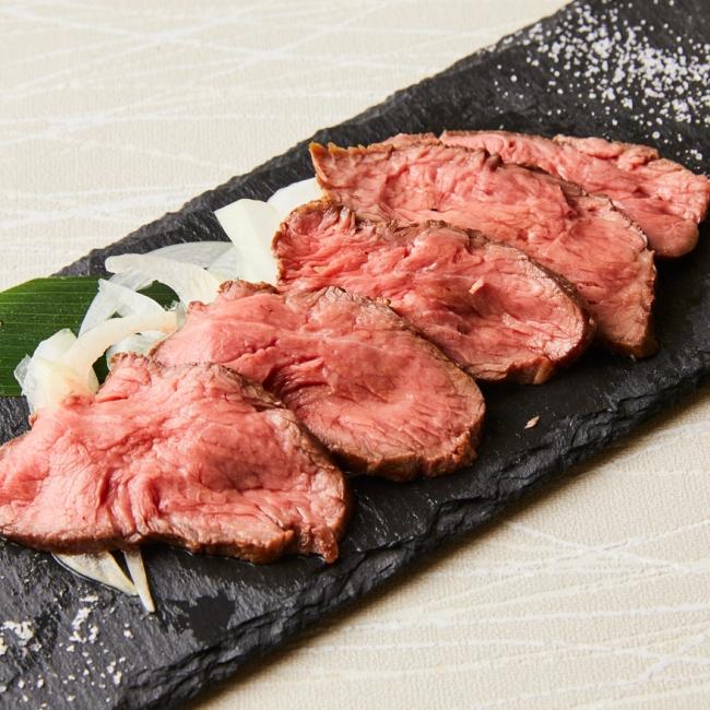 和牛赤身の塩タタキ 640円