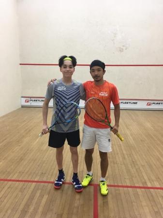 Auckland Squash Open決勝戦。小林遼生選手(向かって右)、Gabe Yam選手