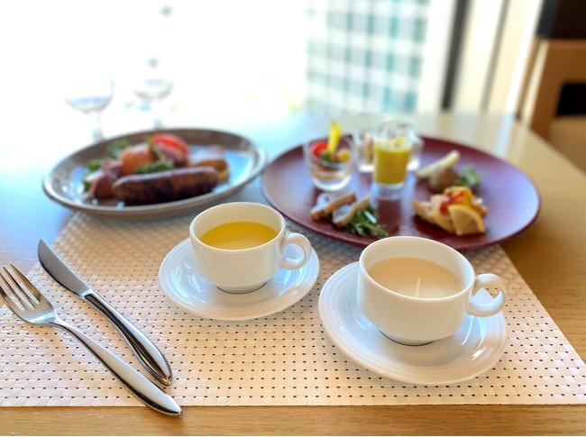 スープの提供イメージ (ザ ロイヤルパークホテル アイコニック 東京汐留)