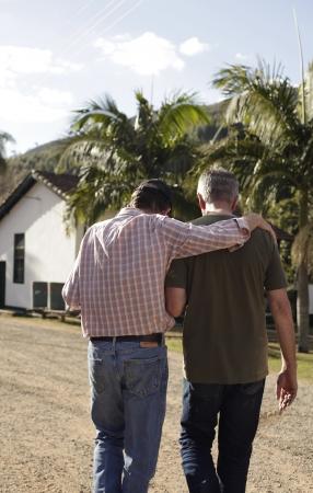 オールプレスの生豆買付責任者シェーンとサンタ・アリーナ農園のジョン・スタウト