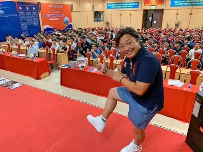 ベトナムの大学での講演(技術者派遣ビジネスを企画中)