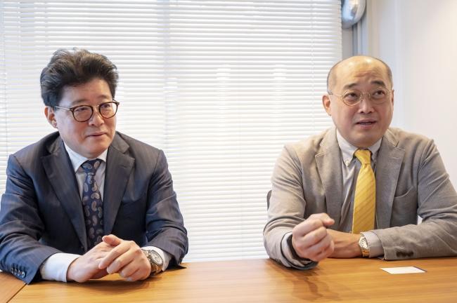 左:豊崎代表理事 右:橋本代表理事