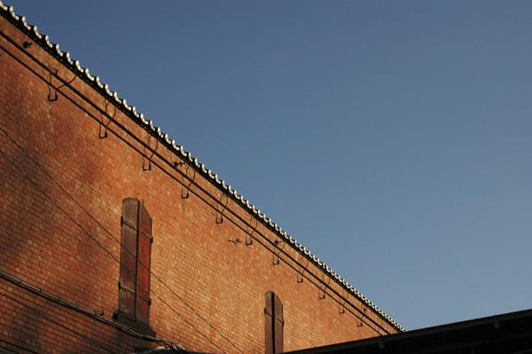 120年の歴史を誇る上毛倉庫の外観