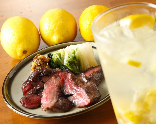 厚切り牛タン焼きと塩レモンサワー