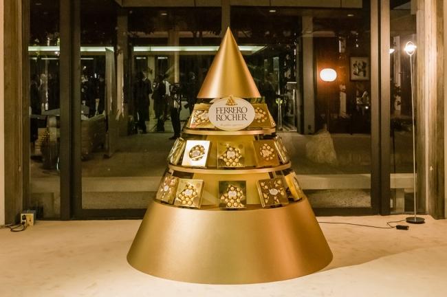 パッケージデザインコンテスト「MADE IN ITALY, WRAPPED IN JAPAN」受賞作品によるピラミッド