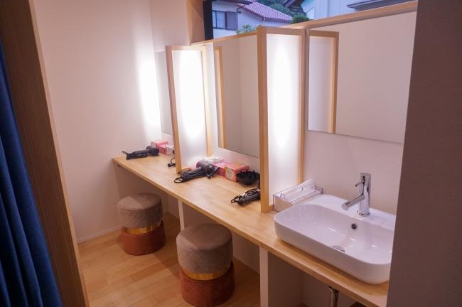 パウダールームを併設しており、ゆったりと朝の準備をして頂くことができます。