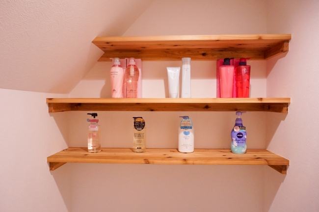 mILBOn、COTAなどの美容室で使用されるのシャンプー・コンディショナーを揃えています。ボタニカルソープも充実しています。