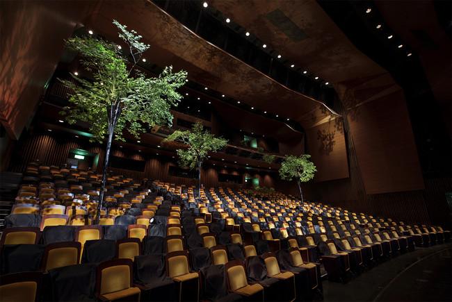 200席収容の客席空間 photo_Kozo Sekiya