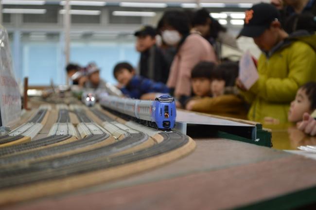 鉄道模型の展示・実演(昨年度の様子)