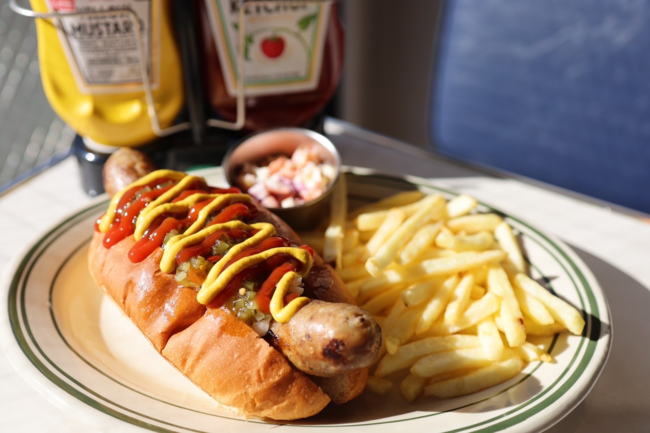 <shake tree DINER>Homemade Hot Dog ¥1,150