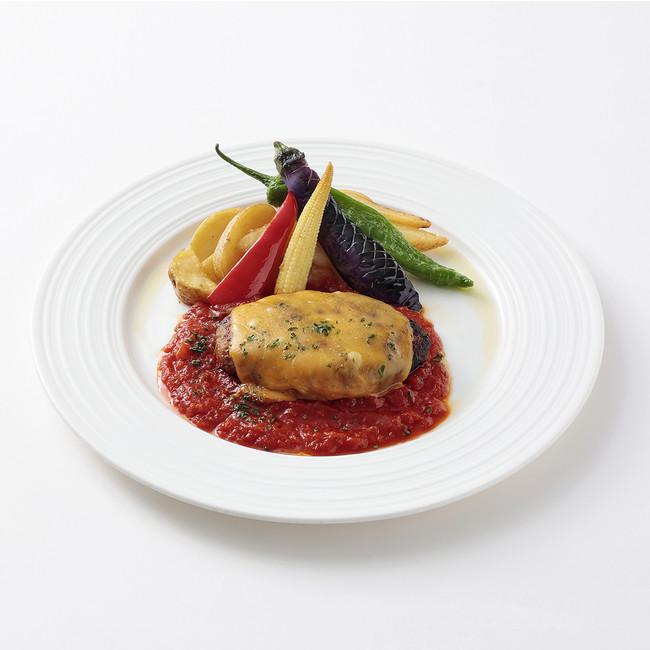 ピリ辛トマトソースのハンバーグ 夏野菜添え(洋食屋 銀座グリルカーディナル)¥1,780