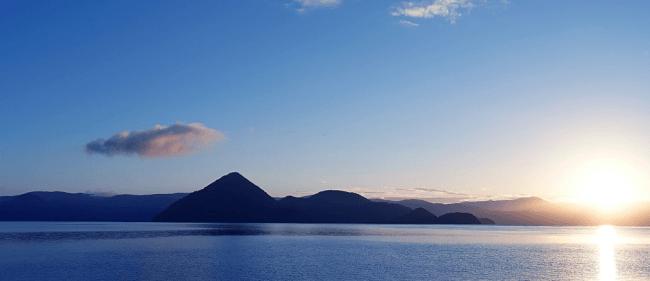 洞爺湖の雄大な自然
