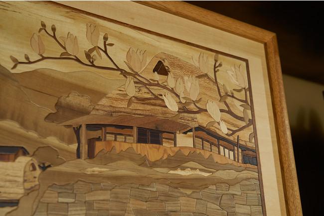木の色合いをそのまま活かした組み木絵作品(通期展示)