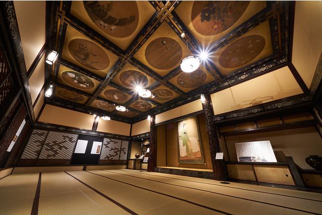 格天井に螺鈿と七宝細工が彩られた十畝の間