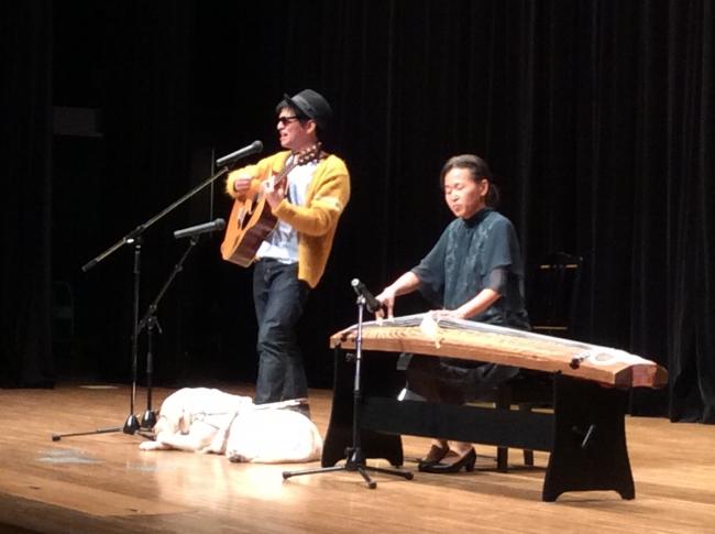 2018年12月2日お琴奏者の熊谷和子氏と初めての共演の様子。