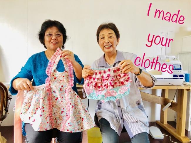 60歳以上のシニア女性と子育て世代の女性たちが内職や工房で縫製作業を行い生産されています。