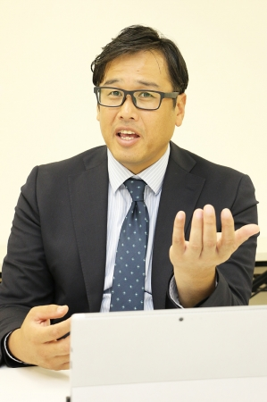 「すべての機能を全事業所で活用しています」と運営部長の小柴昌弘氏