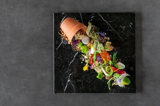 エトゥルスキのシグニチャー「Sincerità della nostra terra」すべてのコース料理に入っている
