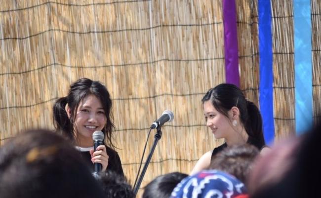井上苑子さんと門脇更紗さん