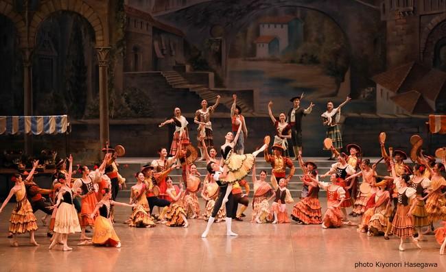華やかな「ドン・キホーテの夢」は初心者にも嬉しい解説付き!ファミリーで楽しめるバレエ
