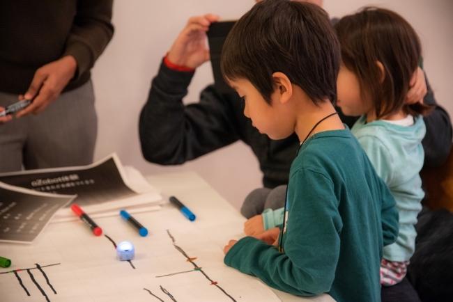 56 ロボットでアートとプログラミング STEAM教育体験