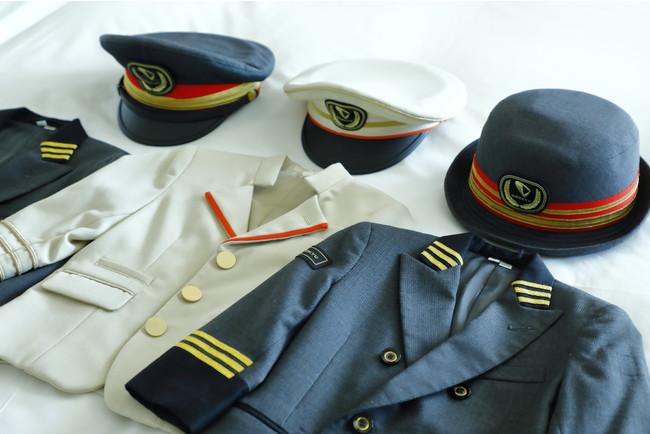 期間限定で駅長制服とロマンスカー乗務員制服の貸出サービスを実施