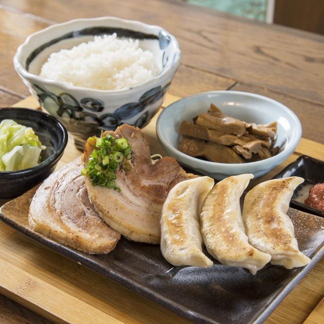 焼餃子&チャーシュー定食