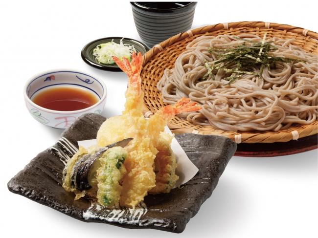 自家製蕎麦を使用し、蕎麦の風味を楽しめる「大海老天ぷら蕎麦」