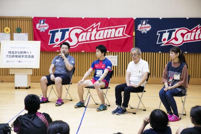 <トークセッション 左から坂本監督、神選手、大島館長、鈴木氏>