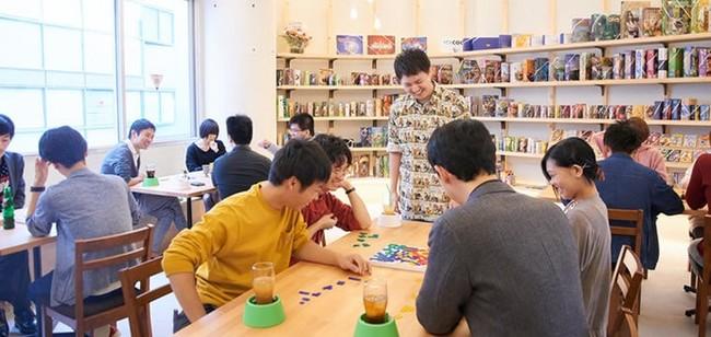 世界中のボードゲームで誰でも手軽に、いつでも遊べるカフェです