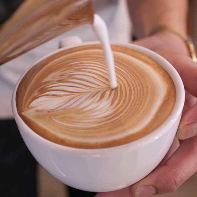 「Flatwhite Coffee Factory」は、仙台市内と福島県郡山市に展開するニュージーランド系カフェです。世界中の美味しいコーヒーとニュージーランド料理をお楽しみ下さい。