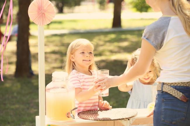 アメリカの子供のレモネード販売風景イメージ