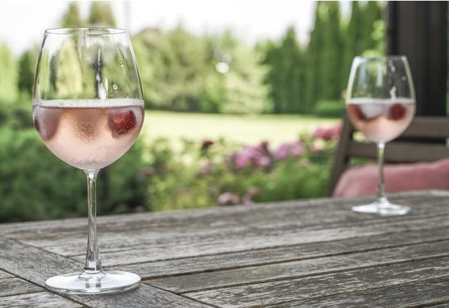 お店で購入して自宅でロゼワインを楽しめます