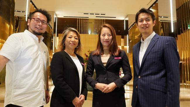 (左:YouTuberケニチ、中央左右:ANAクラウンプラザホテル大阪 担当、右:FunMake 代表取締役 市位謙太)