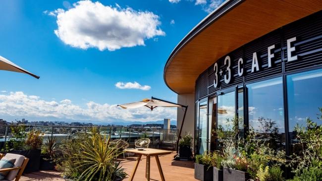 江ノ島と富士山が一望できる「天空のカフェ」