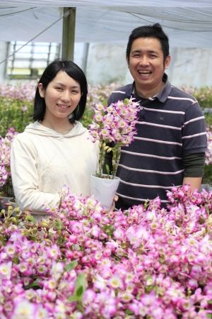 右、森水木のラン屋さん 栽培番長 宮川将人 左 同  店長 森水木