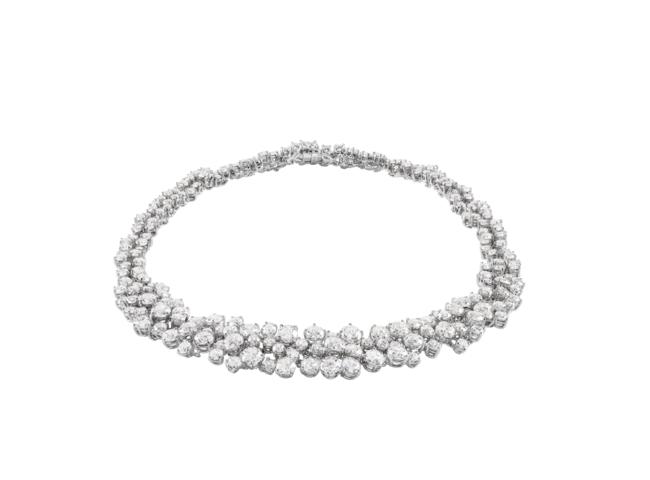 ネックレス:ホワイトゴールド、ダイヤモンド54.58ct ¥44,500,000(税抜)