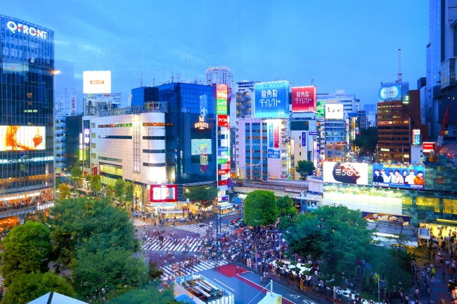 店内から望む渋谷スクランブル交差点