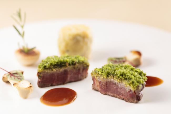 [肉料理] 牛フィレのグリエ お茶の香りのペルシャ―ド マデラソース
