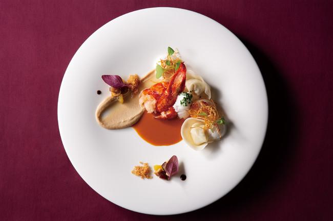 <魚料理>オマール海老のポワレと帆立貝のラヴィオリ アメリケーヌソース 栗のムースリーヌとノワゼットとともに