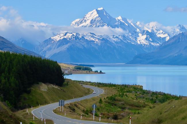 ニュージーランド:プカキ湖からマウント・クックを望む
