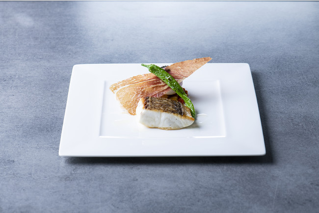真鯛のポワレ バスク風ピペラードスタイル 生ハムのガレット