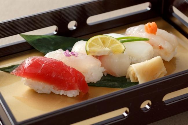 握り寿司五貫盛り