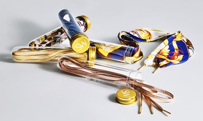 日本展開カラーメタリック・ローズゴールド、メタリック・ブルー、メタリック・ゴールド(ラムレザー 100%)、ウォッシュ デニム Price 6,500(税抜)