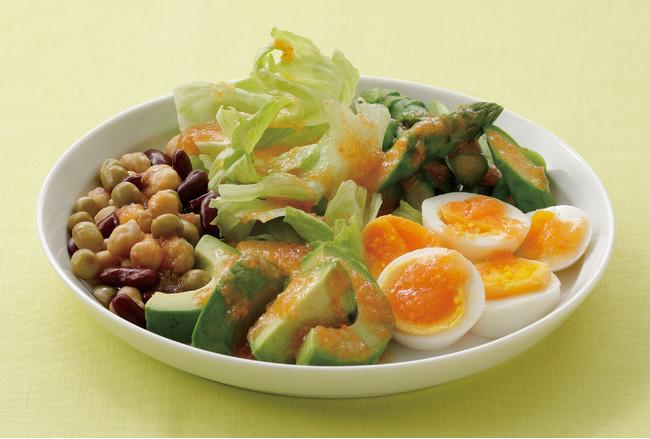 ゆで卵とアボカドのパワーサラダ