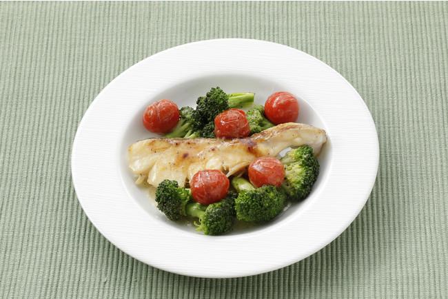 調理例(盛り付けは一人前):ブロッコリーとたらの蒸し煮 (ハーブ&ガーリック使用)