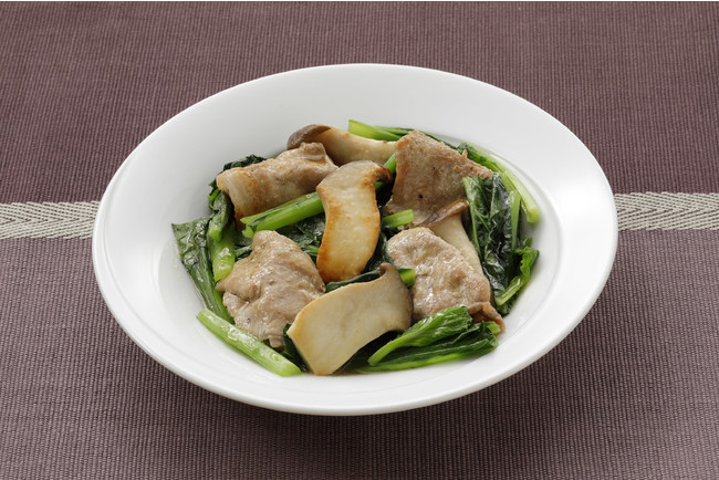 調理例(盛り付けは一人前):小松菜と豚肉の蒸し煮 (だし&オリーブオイル使用)